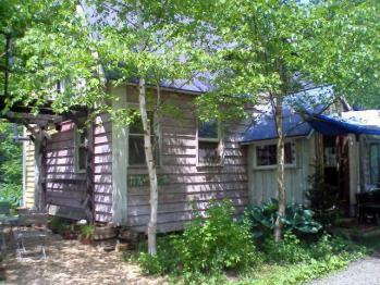 2011611b.jpg