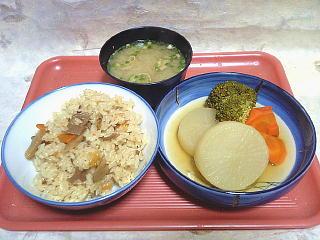 100330_00001本日の夕食
