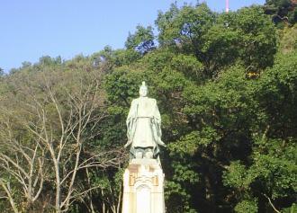 02 斉彬公の像 (36%)