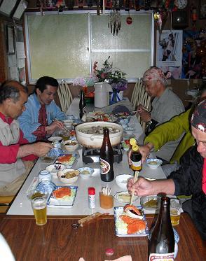 民宿の夕食・風景