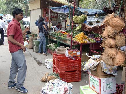 28 広場の野菜売り場