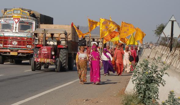 8 ヒンズー教寺院へ参拝行進