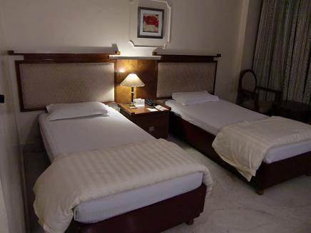 15 ホテルの室内