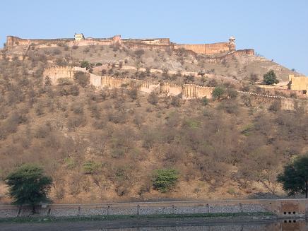 7 アンベール城の上部の要塞