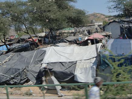30 ジャイプールの貧乏さんのテント村