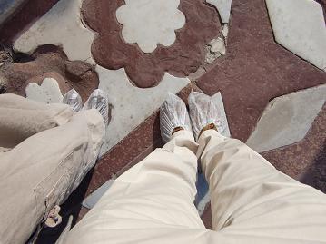 10 タージ・マハール 霊廟に上がる