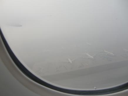 5 香港空港を離陸