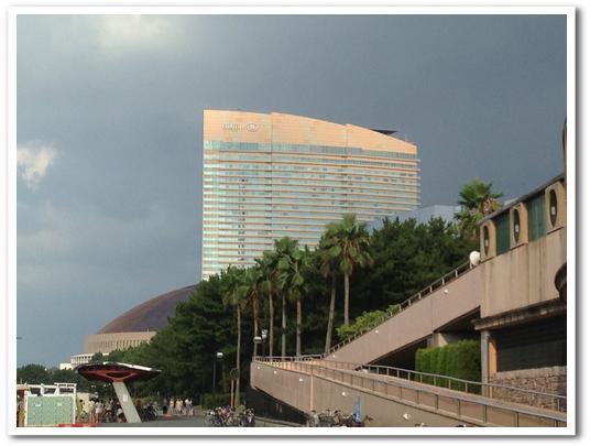 ヤフオクドームとヒルトンホテル