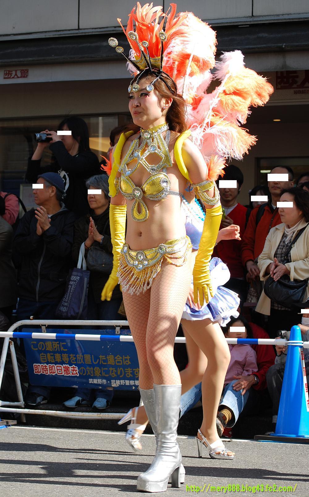2010_uni004