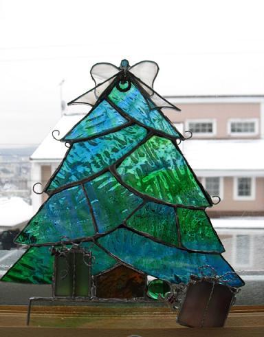 クリスマス作品展 ツリー緑自然光