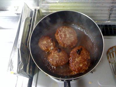 ガールズナイト 煮込みハンバーグ