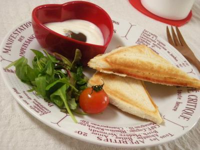 ハム&チーズのホットサンドで朝ごはん_convert_20100105124332
