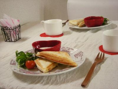 ハム&チーズのホットサンドで朝ごはん2_convert_20100105124345