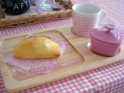 チョコクリームパンで朝ごはん2_convert_20100208160911