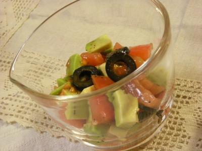 アボカド&トマト&オリーブのサラダ_convert_20100209124908