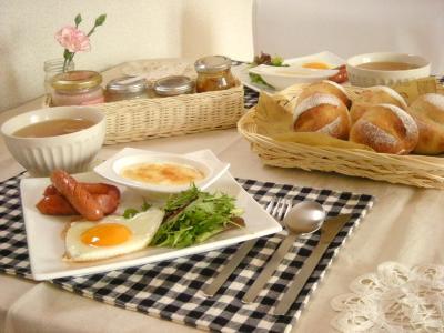 焼き立てパンで朝ごはん2_convert_20100222161714