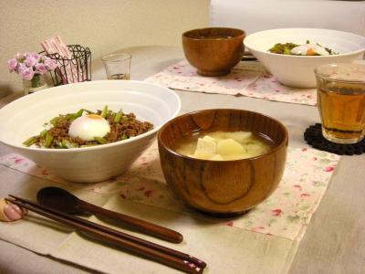 アスパラそぼろ丼の食卓_convert_20100310151421