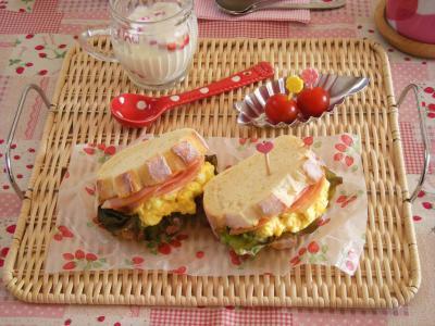 焼きたてパンで朝ごはん2_convert_20100405152512