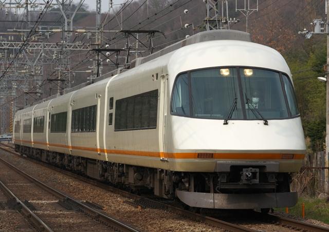 130310-kintetsu-urvan-1.jpg