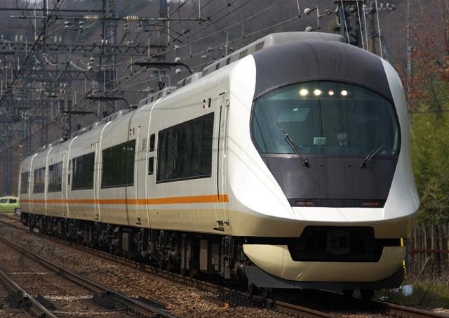 130317-kintetsu-urvanliner-next-1!!.jpg