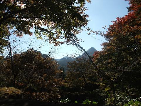トンガリ山