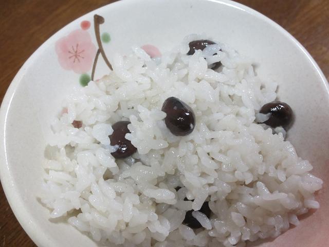 黒マメご飯
