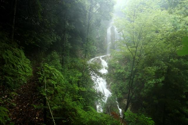 入野の滝1