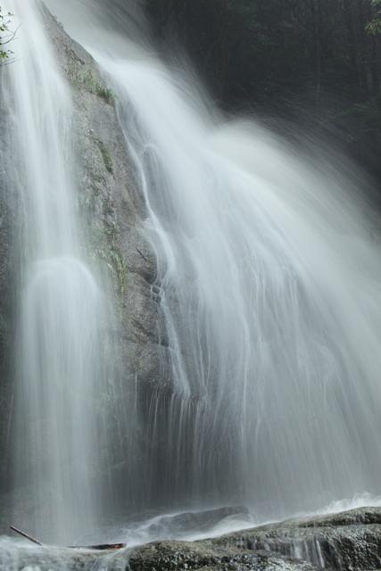 入野の滝5
