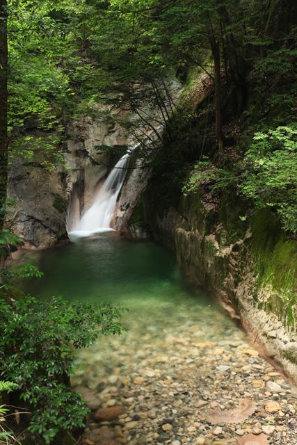 寂地峡登竜の滝と大乗淵