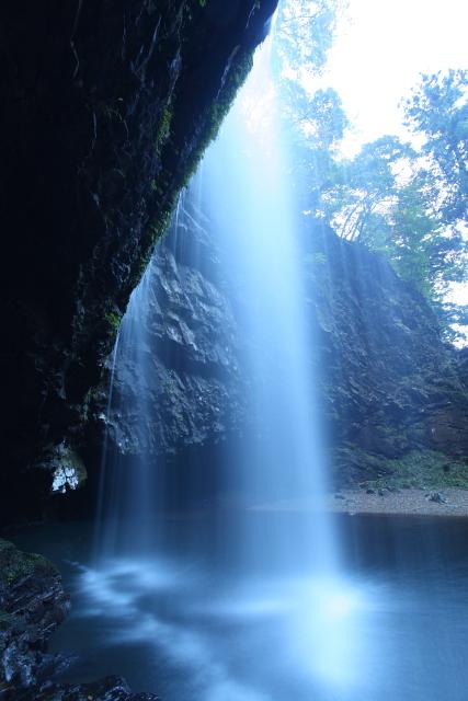 神秘に満ちた「龍頭ヶ滝」3