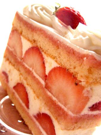 『エーグルドゥース 』の苺のショートケーキ