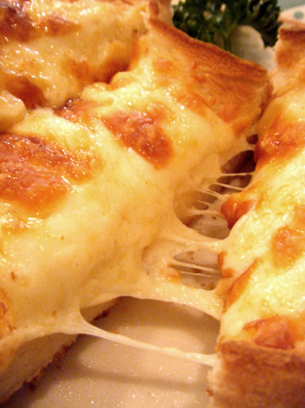 『珈琲屋マロコ』のチーズトースト