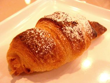 『サンマルクカフェ』のホワイトチョコクロ