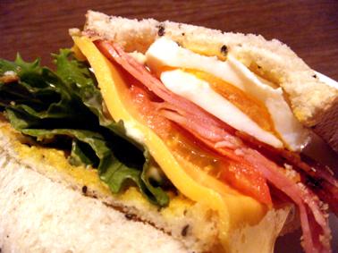 『上島珈琲店』のBLT with チーズエッグ