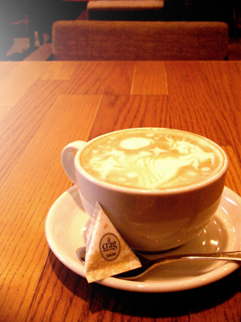 『CAFE ZENON (カフェ ゼノン)』のティーラテ