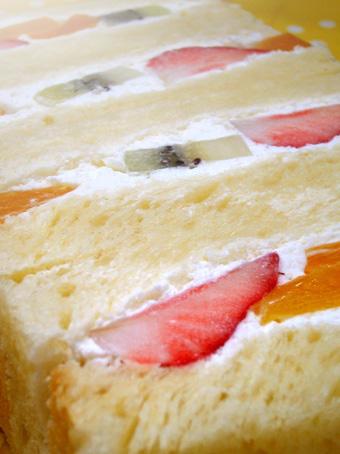 『神戸屋キッチン』のフルーツサンド