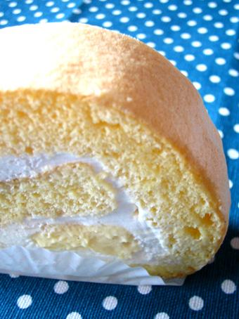 『ドゥー パティスリー・カフェ』のロールケーキ