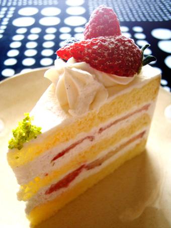 『トシ・ヨロイヅカ』の苺のショートケーキ