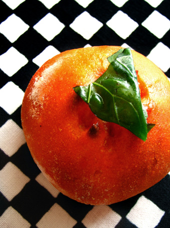 『ブーランジュリー プーヴー』のトマトのパン