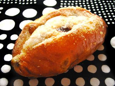 『カタネベーカリー』のぶどうパン