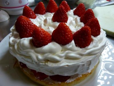 娘が作った誕生日用ケーキ