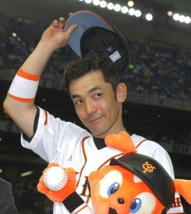 07 2007年06月20日 ヒーローになり、お立ち台でファンの声援に応える(東京ドーム)