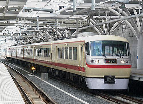 西武10000系「レッドアロークラシック」(2012年4月4日・石神井公園)