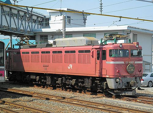 EF81 107[敦](2011年5月31日・青森駅)