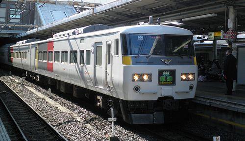 宮オオ185系OM04編成「草津1号」(2013年2月9日・大宮駅)