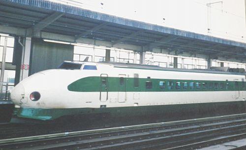 東北新幹線200系K42編成(2001年9月9日・小山駅)