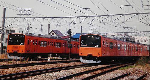 八トタ201系H10編成(左)・同青5編成(右)(2002年4月13日・拝島駅)