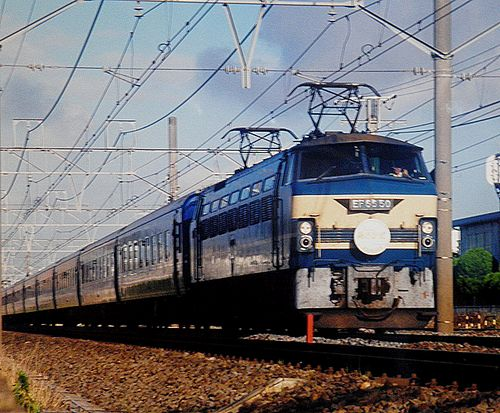 特急6列車「あさかぜ」EF66 50[関](2002年7月25日・辻堂~茅ヶ崎間)