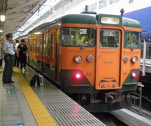クハ111-2056(千マリ・117編成)(2011年7月3日・東京駅)