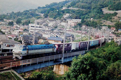 高速貨物列車EF66 118[吹](2006年10月15日・真鶴~湯河原間)